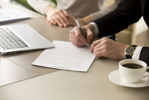 Mediation-101-and How-it-Works-Signing-an-Agreement