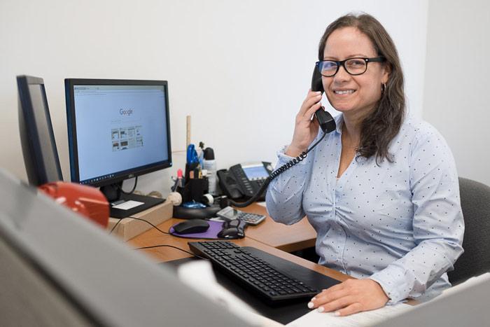 Barbara-receptionist-Wasser-Russ